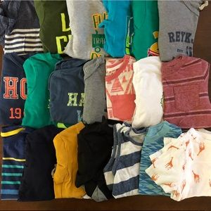 Lot of 20 Size 3T T-shirts.